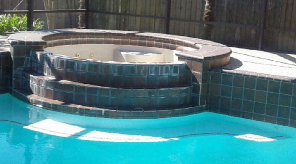 Pool Cleaning Before Image